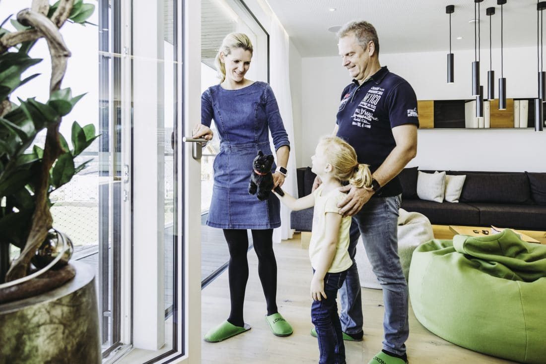 Loxone Familie im Smart Home