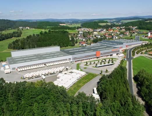 Internorm Werk Sarleinsbach, Fensterproduktion, Kunststoff, Kunststofffenster, Kunststoff/Alu-Fenster, Produktionswerk