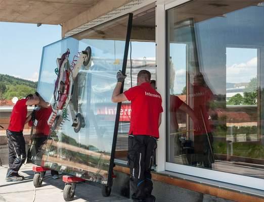 Montage Fenster, Fenstermontage, Montage Hebeschiebetür, Montage große Verlasung, Montage großes Fenster